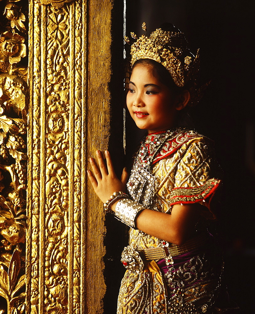Young Thai dancer, Thailand, Southeast Asia, Asia