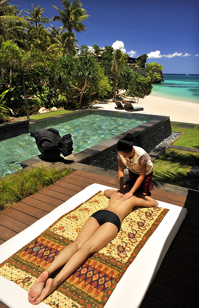 Massage by the beach, Chi Spa, Shangrila Hotel, Boracay, Philippines, Southeast Asia, Asia