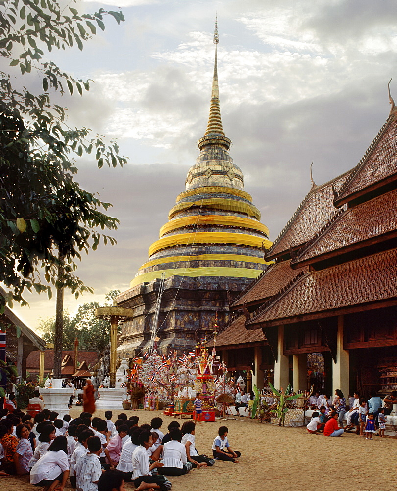 Open-sided Wihaan during the festival at Wat Phra That Luang, Lampang, Thailand, Southeast Asia, Asia