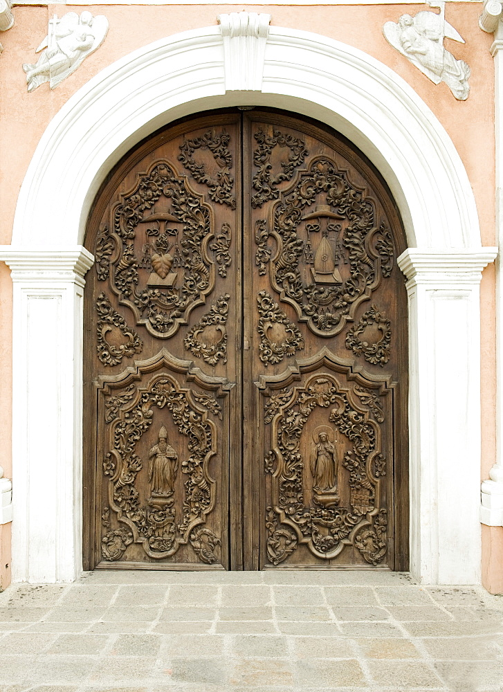 Door of San Augustin church, the oldest church in Manila dating from 1607, which survived American bombing, UNESCO World Heritage Site, Philippines, Southeast Asia, Asia