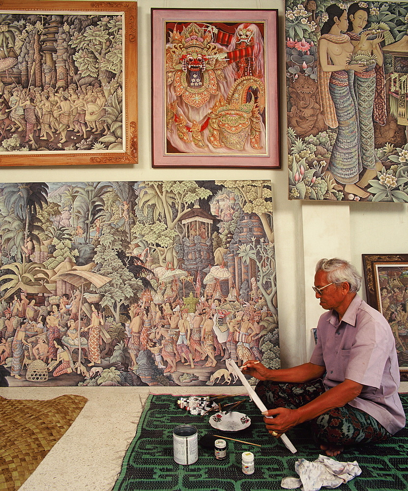 I Ketut Tungeh at the Tungeh Studio of Art, Ubud, Bali, Indonesia, Southeast Asia, Asia