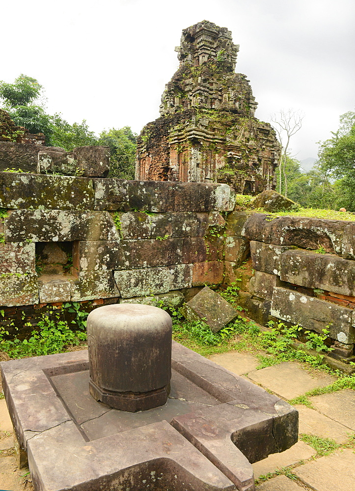 Lingam, My Son Temple Group, UNESCO World Heritage Site, Vietnam, Indochina, Southeast Asia, Asia