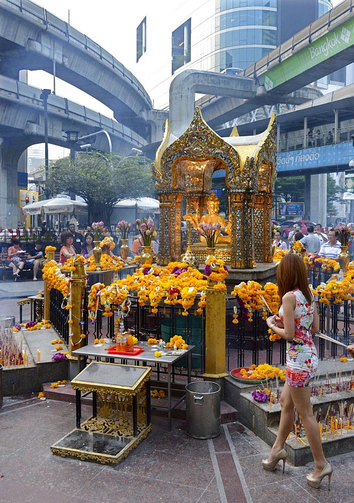 Erawan shrine, Bangkok, Thailand, Southeast Asia, Asia - 238-6418
