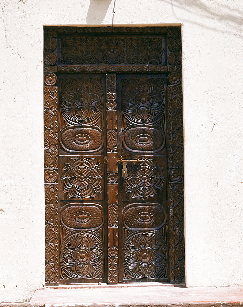 Carved wooden door, Old Town, Mombasa, Kenya, East Africa, Africa