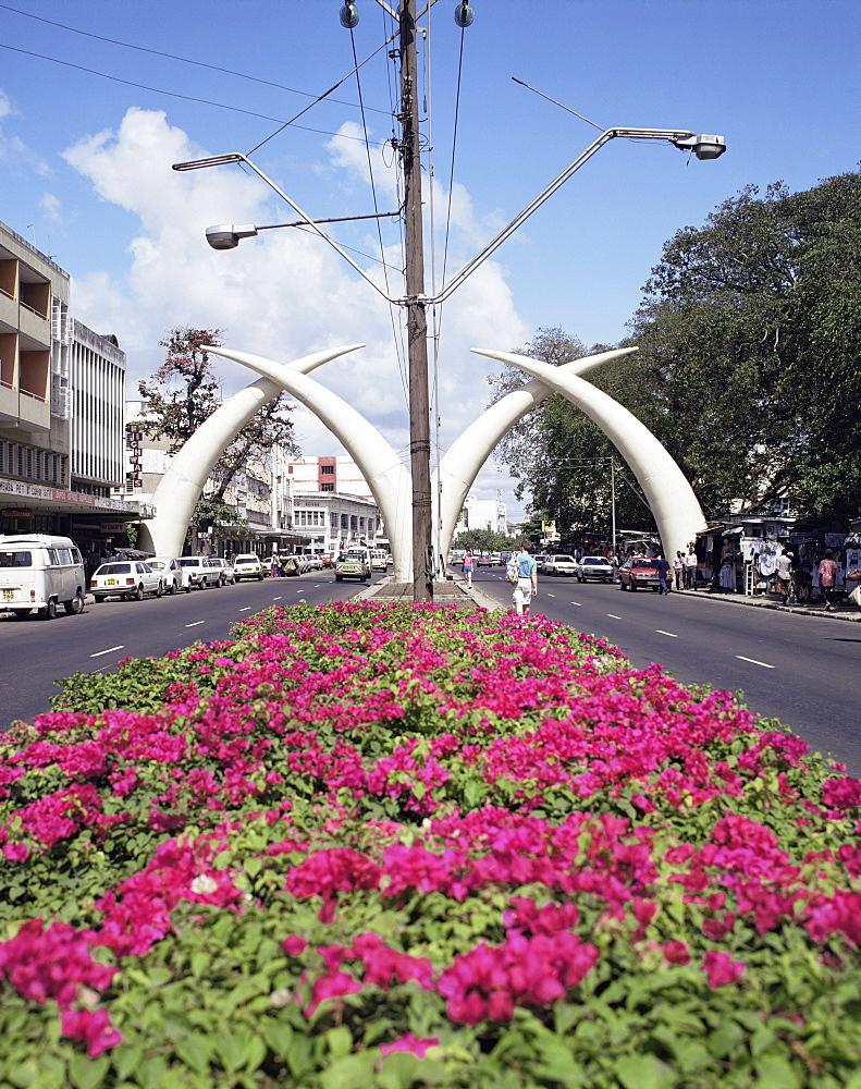 Elephant tusks, Moi Avenue, Mombasa, Kenya, East Africa, Africa