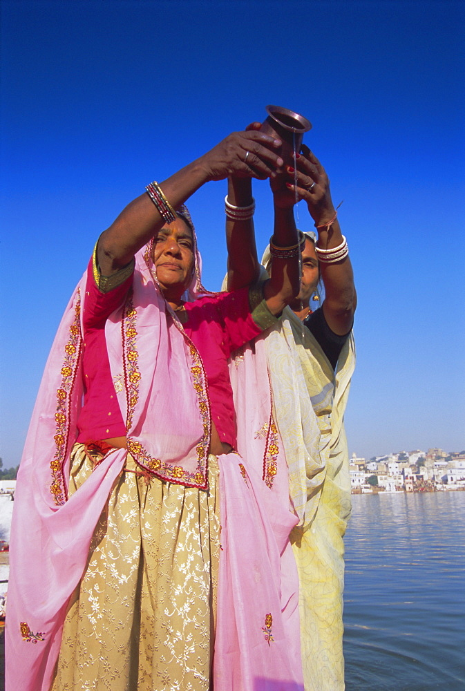 hindu single women in powers lake The distraught widower never wanted to marry again however, years later, a young women named parvati (daughter of the mountain) in hindu myth.