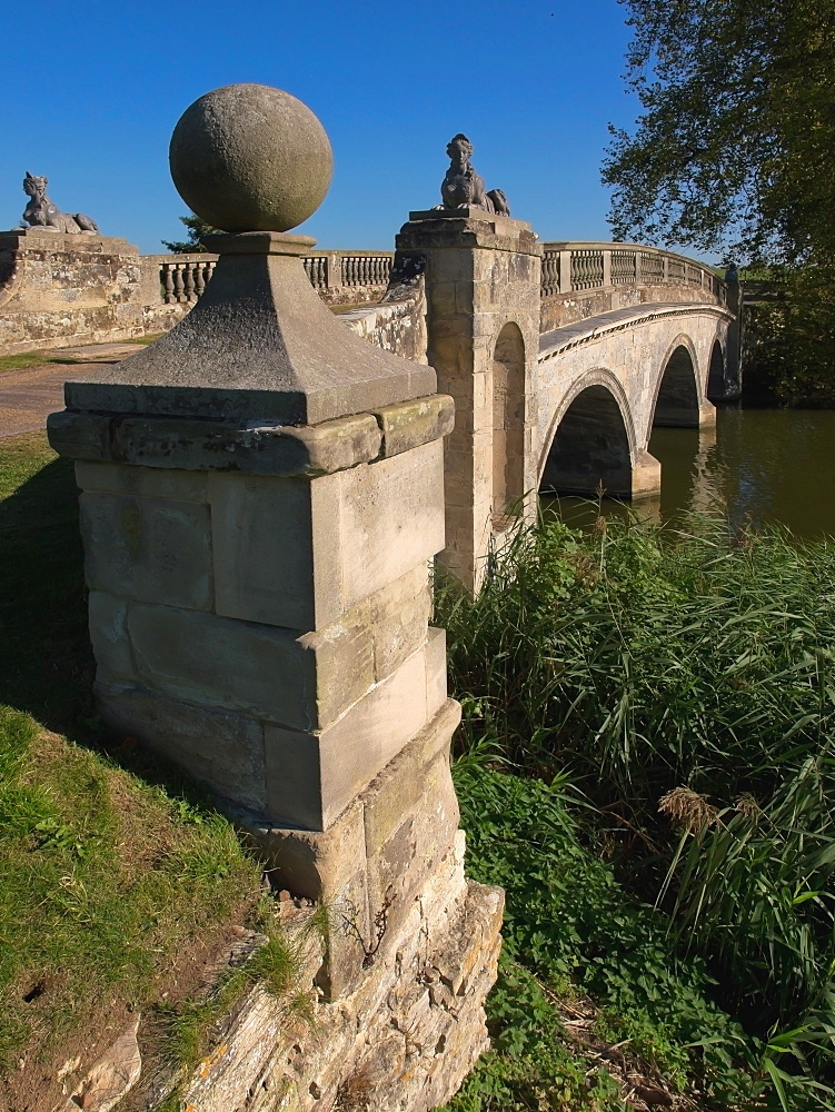 Robert Adam bridge, Compton Verney estate, Warwickshire, England, United Kingdom, Europe - 255-8969
