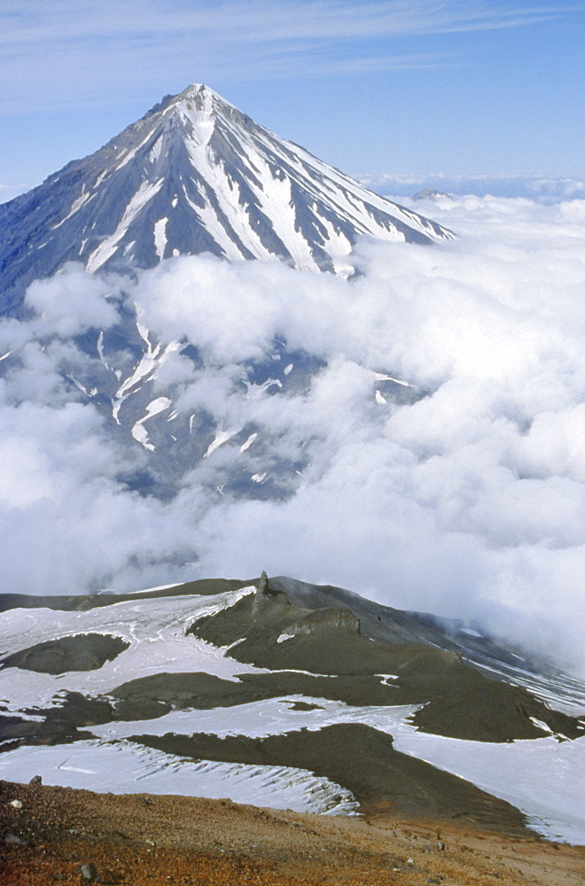 Koryaksky volcano, andesitic cone seen from shoulder of Avacha volcano, Kamchatka, East Siberia, Russia - 29-3057
