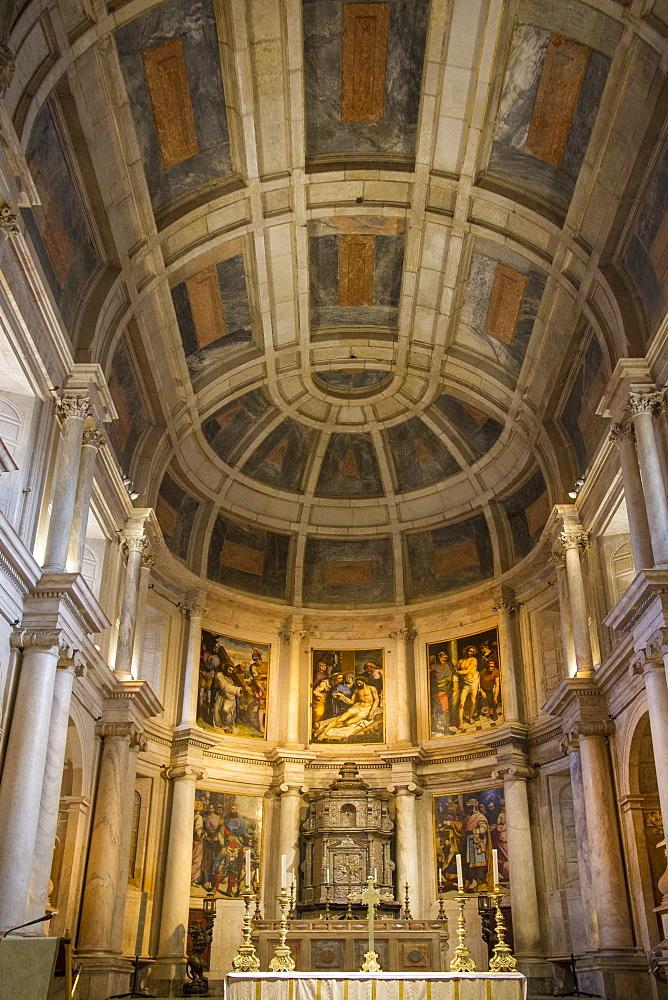 Interior of chapel, Jeronimos Monastery, UNESCO World Heritage Site, Lisbon, Portugal, Europe