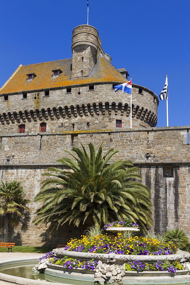 Chateau and Walled city, St. Malo, Brittany, France, Europe