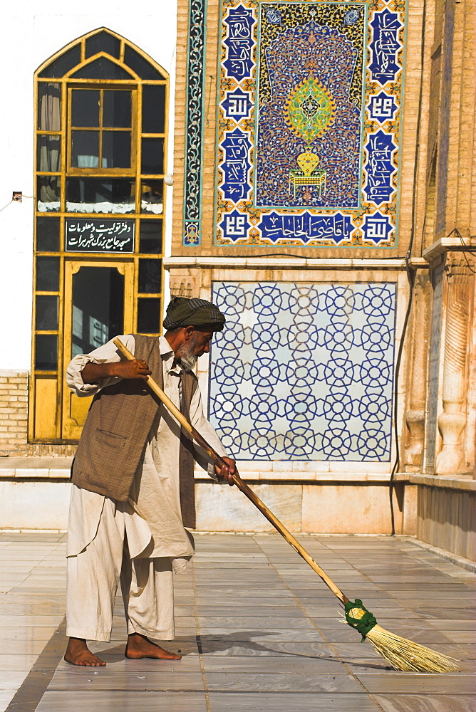 Man sweeping, Friday Mosque or Masjet-eJam, Herat, Herat Province, Afghanistan, Asia