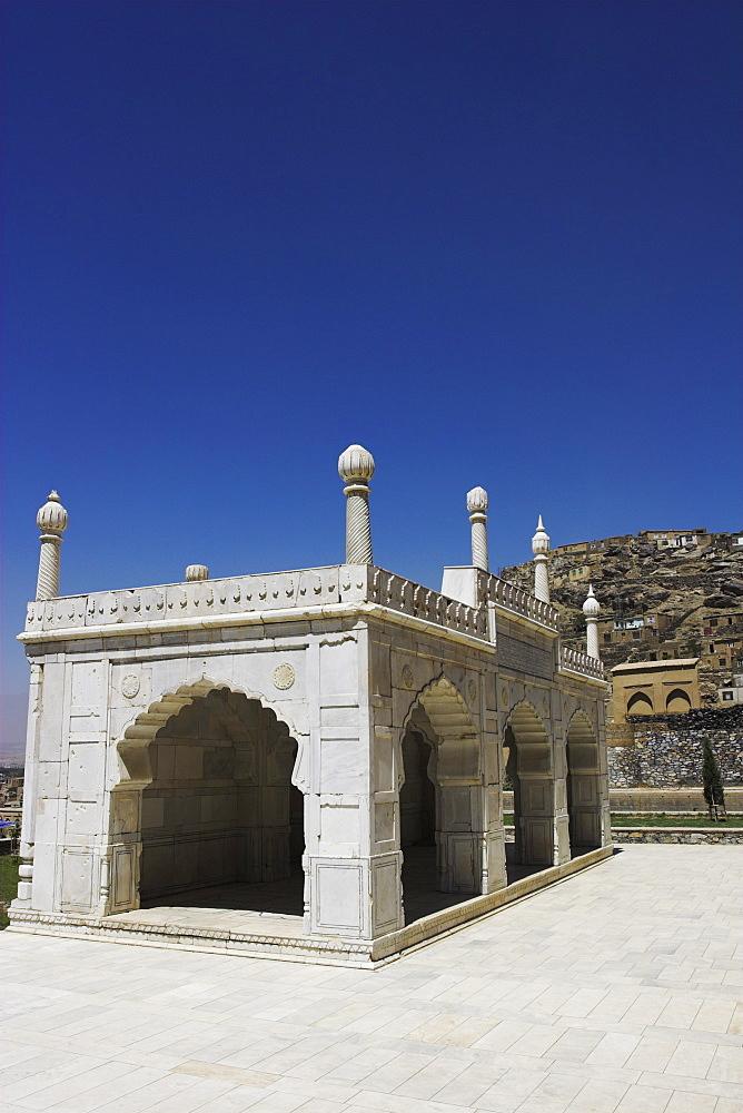 White marble mosque built by Shah Jahan, Gardens of Babur, Kabul, Afghanistan, Asia