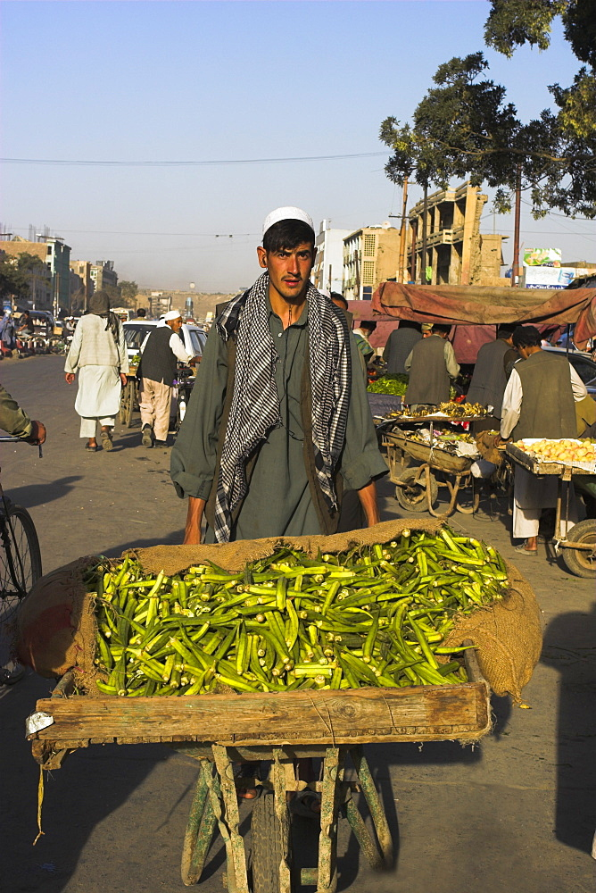 Street market, Central Kabul, Afghanistan, Asia