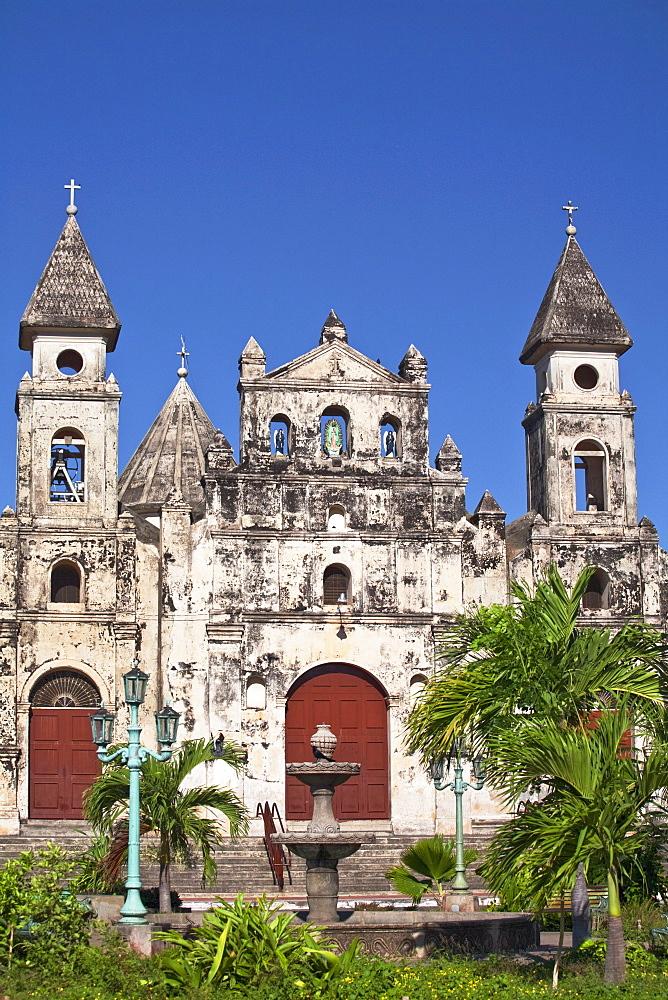 Iglesia de Guadalupe, Granada, Nicaragua, Central America