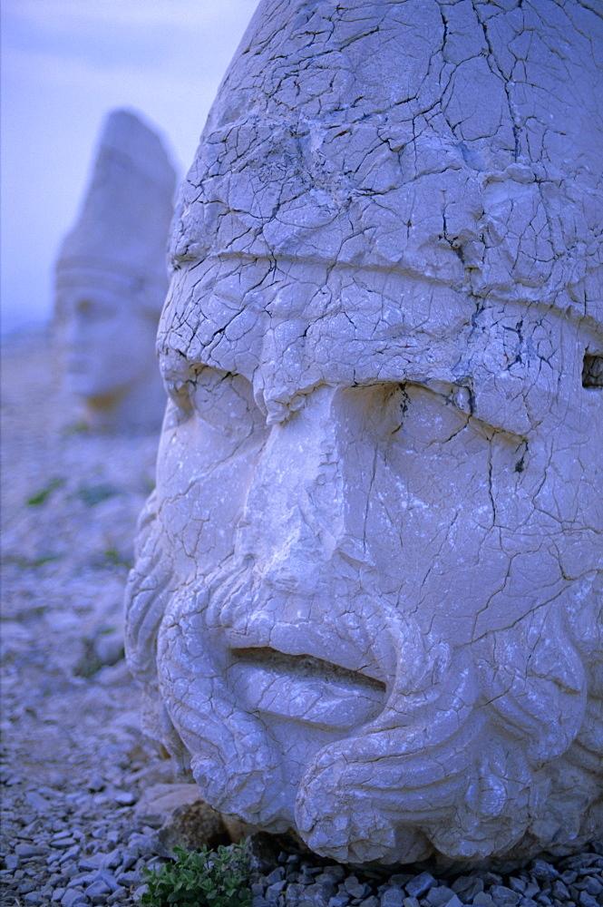 Ancient carved heads of gods on summit of Mount Nemrut, Nemrut Dagi (Nemrut Dag), UNESCO World Heritage Site, Anatolia, Turkey, Asia Minor, Asia