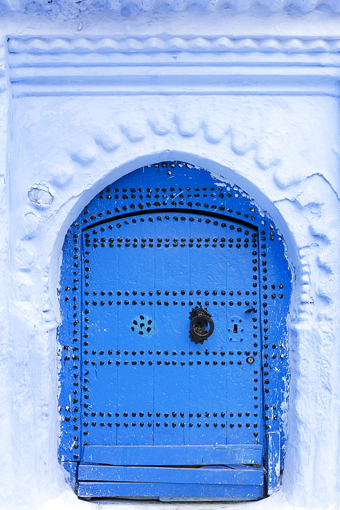 Blue door and wall in the old town of Chefchaouen (Chaouen) (The Blue City), Morocco, North Africa, Africa - 321-5917