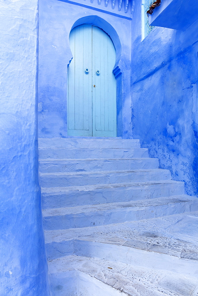 Walls and steps in the old town of Chefchaouen (Chaouen)  (The Blue City), Morocco, North Africa, Africa - 321-5918
