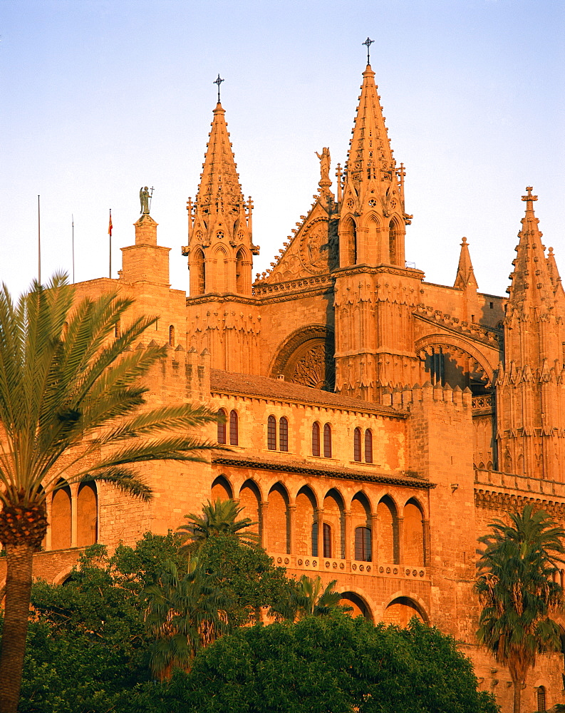 The cathedral at Palma, on Majorca, Balearic Islands, Spain, Europe - 350-3250