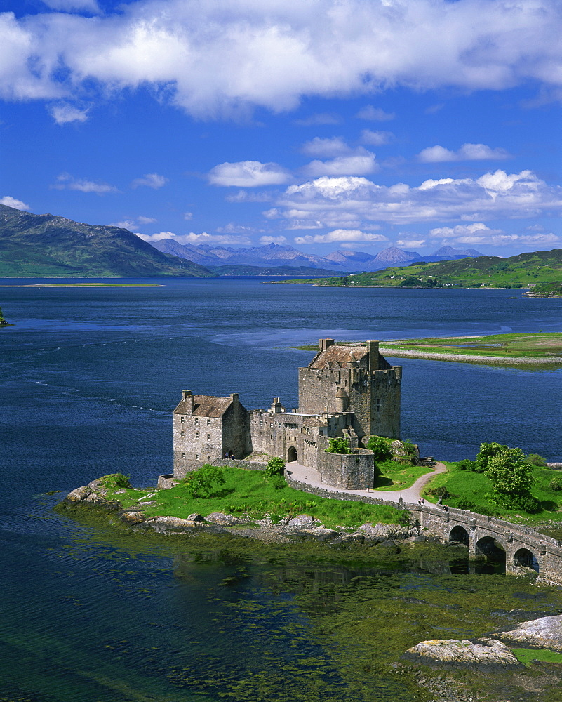 Eilean Donan Castle, Highlands, Scotland, United Kingdom, Europe