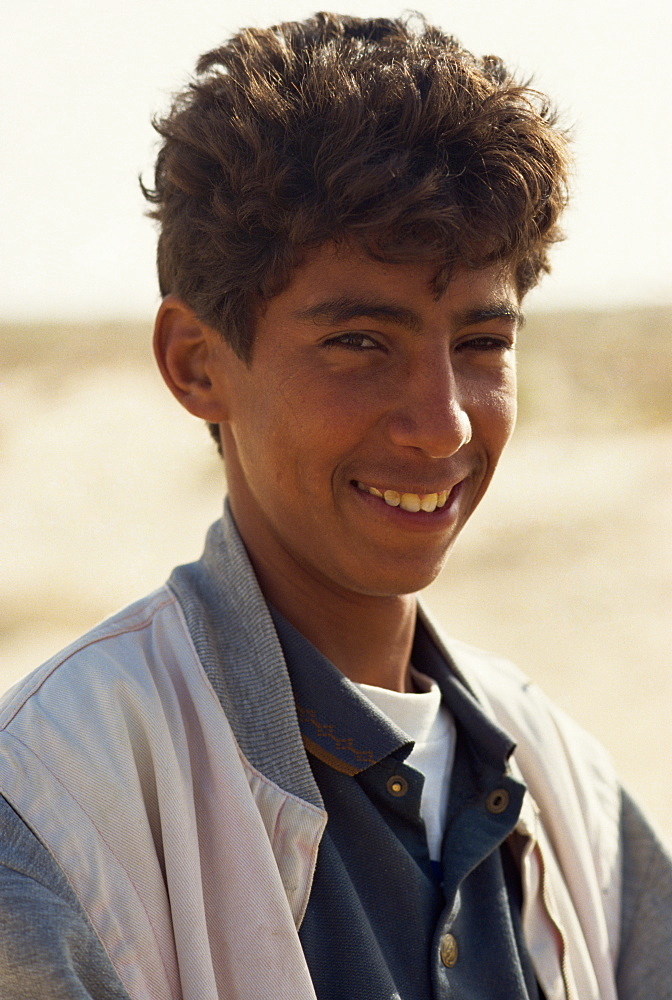 A 15 year old Tunisian boy, Douz, Tunisia, North Africa, Africa - 358-340