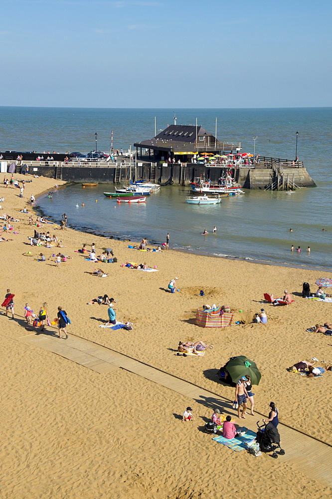 Viking Bay beach and harbour, Broadstairs, Kent, England, United Kingdom, Europe