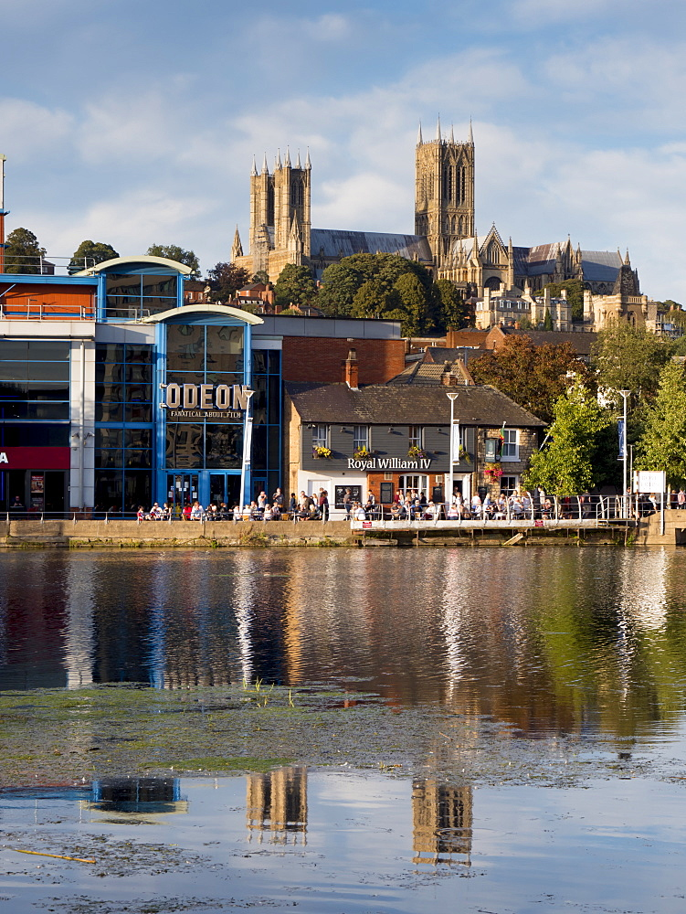 Lincoln Cathedral and Brayford pool, Lincoln, Lincolnshire, England, United Kingdom, Europe - 367-6271