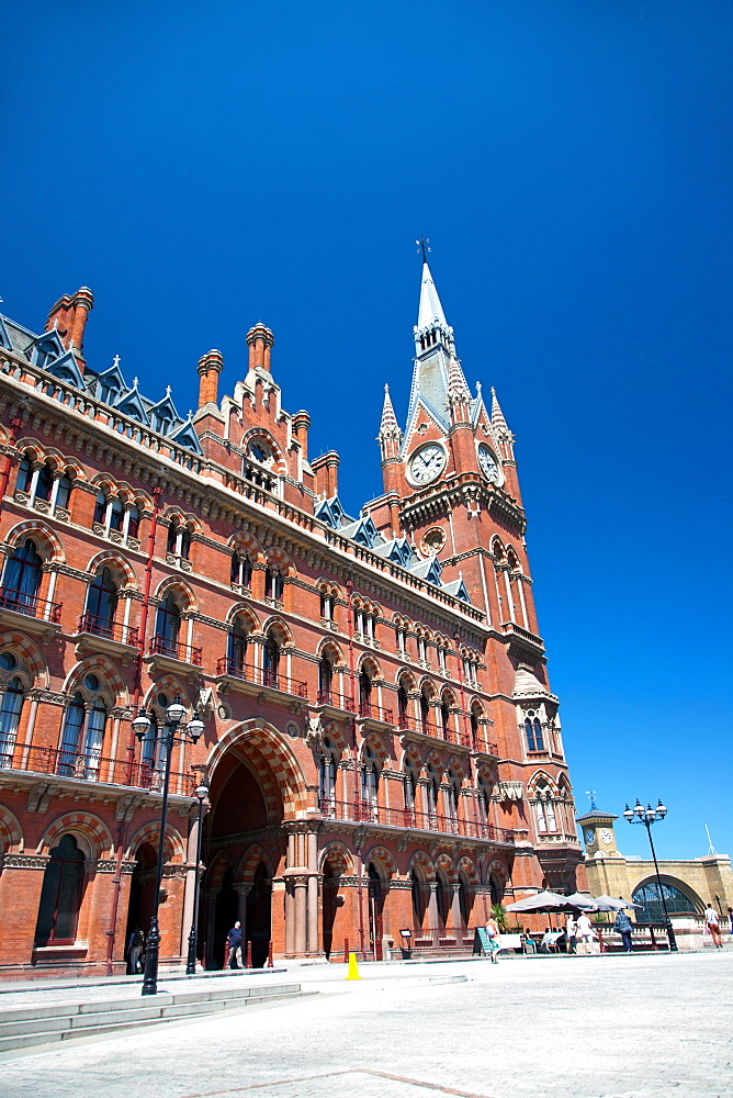 Exterior of the St. Pancras Renaissance Hotel, Euston Road, London, England, United Kingdom, Europe - 377-3920