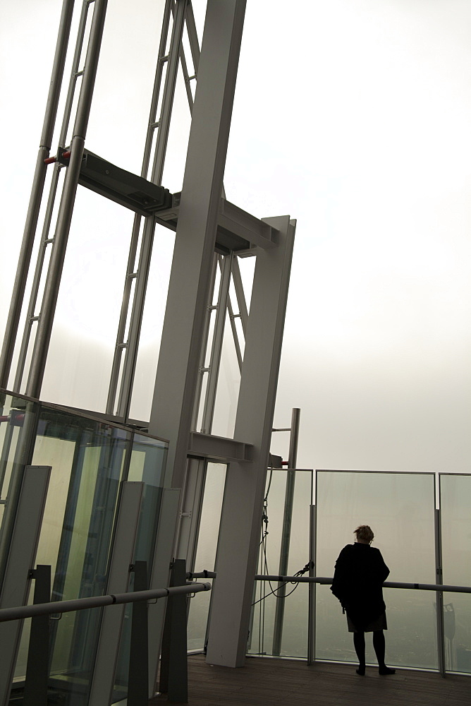 Viewing gallery on the 72nd floor of the Shard, London Bridge, London, England, United Kingdom, Europe - 377-3956