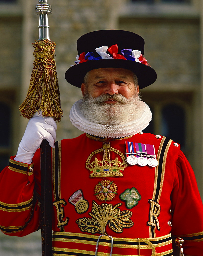 Beefeater at the Tower of London, London, England, United Kingdom, Europe - 383-575