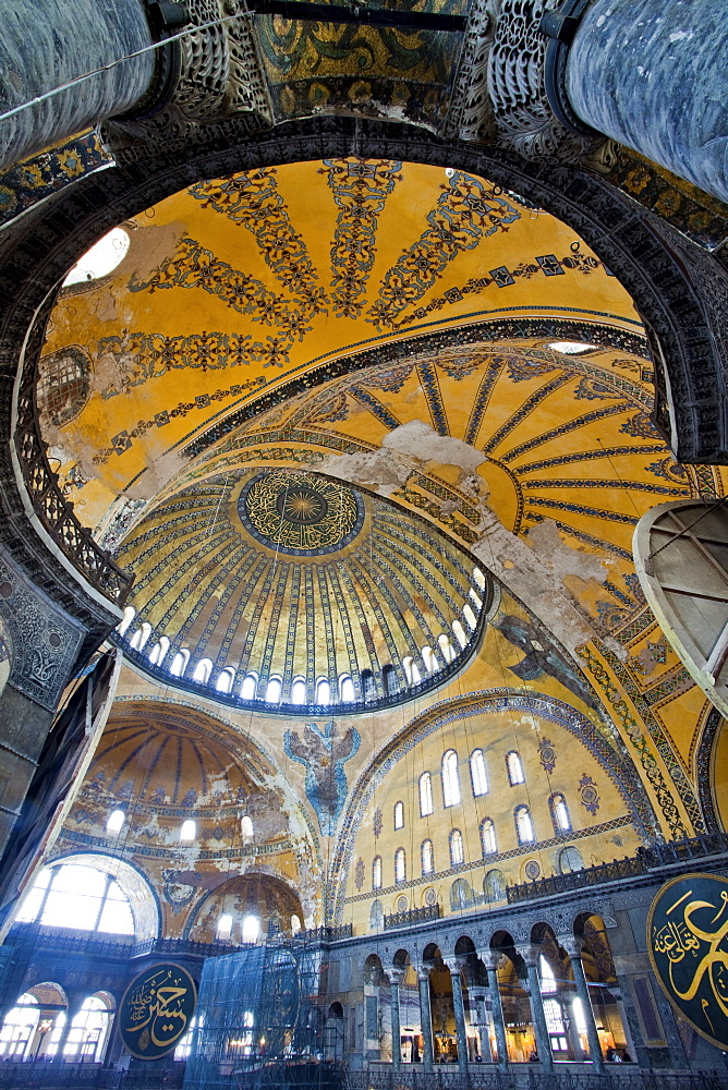 Byzantine architecture of Aya Sofya (Hagia Sophia), constructed as a church in the 6th century by Emperor Justinian, a mosque for years, now a museum, UNESCO World Heritage Site, Istanbul, Turkey, Europe - 385-1699
