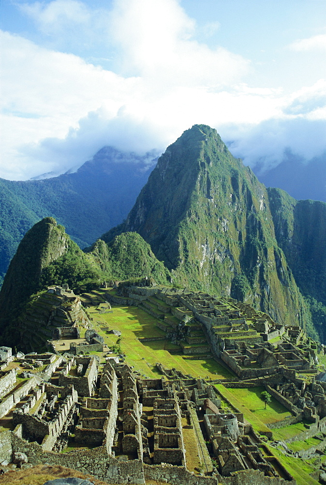 Machu Picchu, Peru, South America *** Local Caption *** The lost city of the Inca was rediscovered by Hiram Bingham in 1911