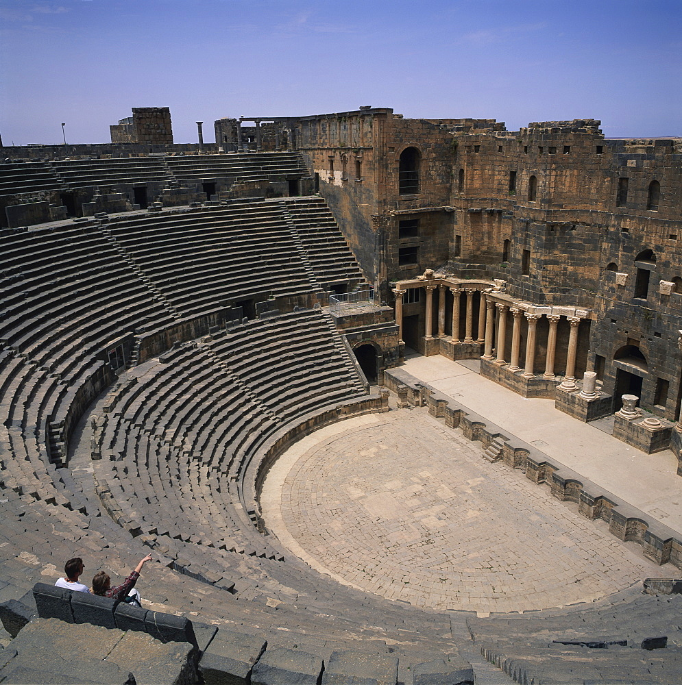 The Roman amphitheatre dating from the 2nd century AD, seating 15000, Bosra, UNESCO World Heritage Site, Syria, Middle East