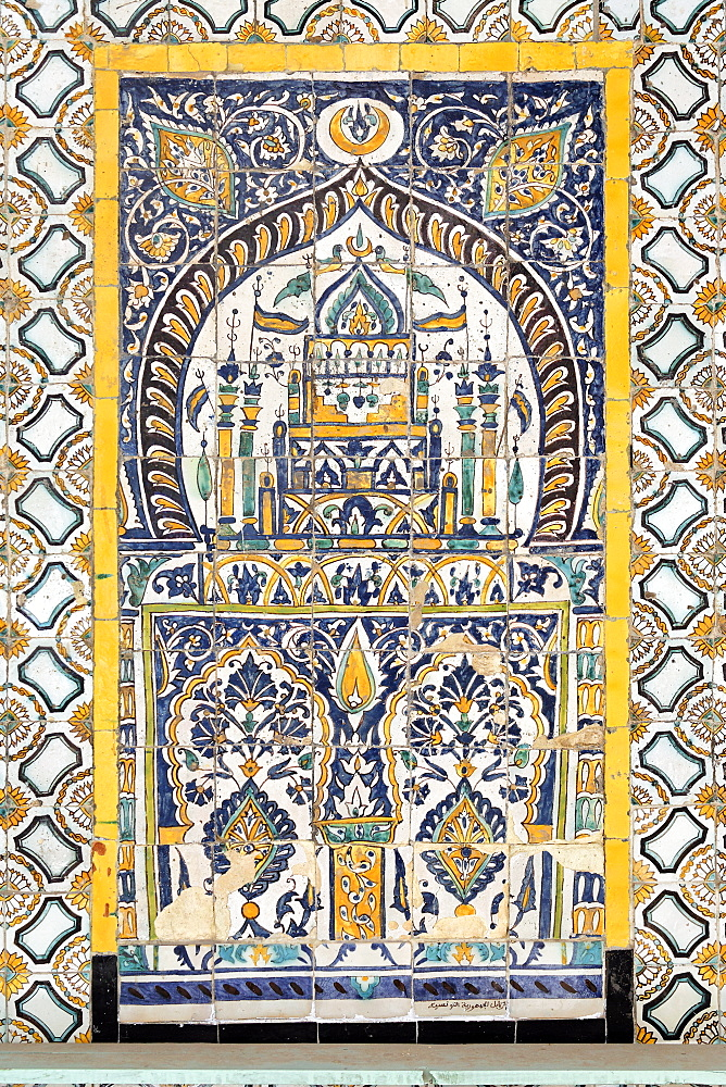Islamic tilework, Gurgi Mosque, built in 1833 by Mustapha Gurgi, Tripoli, Libya, North Africa, Africa
