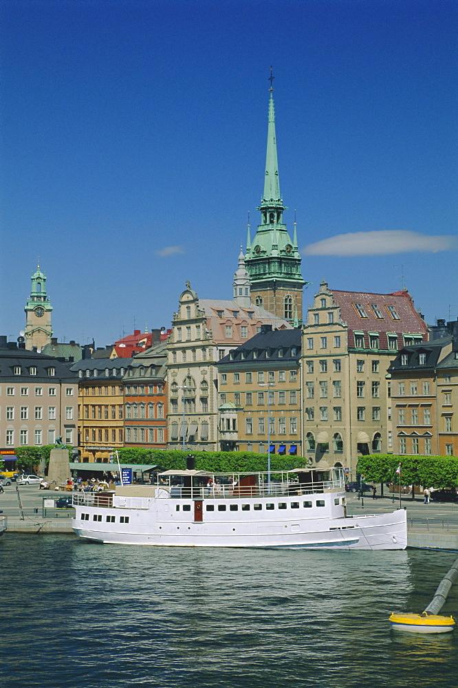 Munkbroleden waterfront, Gamla Stan (Old Town), Stockholm, Sweden, Scandinavia, Europe