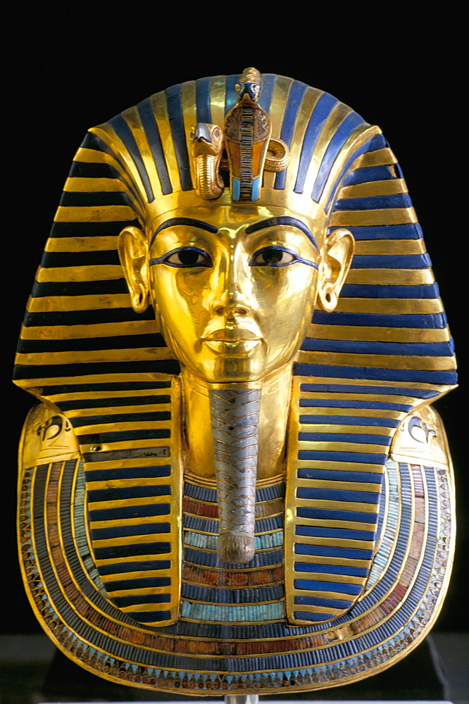 Gold mask of Tutankhamun, Egyptian Museum, Cairo, Egypt, North Africa, Africa