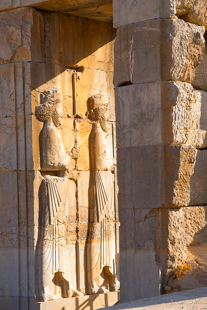 Carved relief of Royal Persian Guards, Persepolis, UNESCO World Heritage Site, Iran, Middle East
