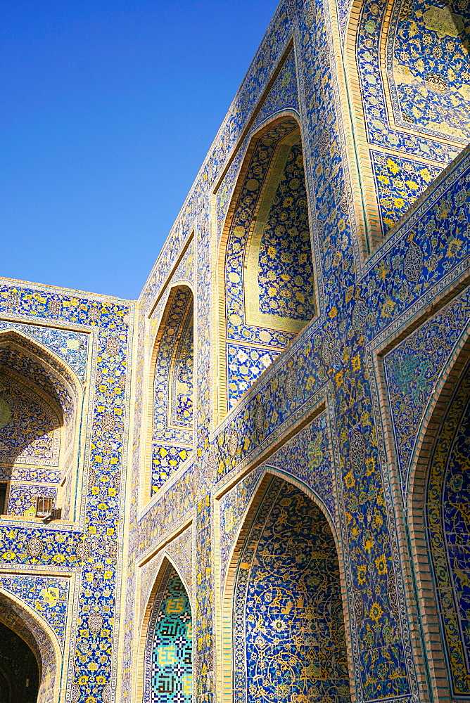 Courtyard walls, Imam Mosque, Isfahan, Iran, Middle East