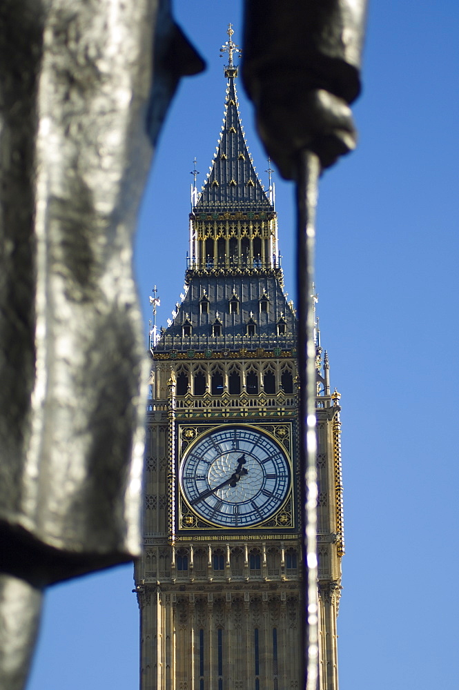 Big Ben through statue of Sir Winston Churchill, Westminster, London, England, United Kingdom, Europe