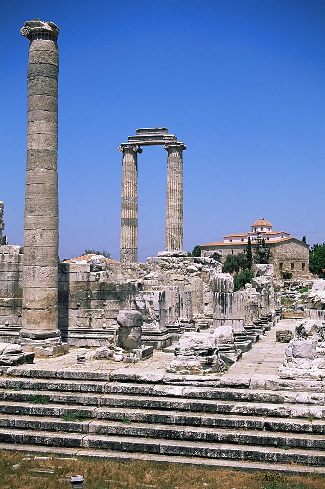 Ruins of Didyma, Altinkum, Anatolia, Turkey, Asia Minor, Eurasia