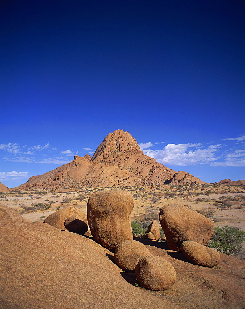 Spitzkoppe, 1728m, between Windhoek and Shakapmund, Damaraland, Namibia, Africa