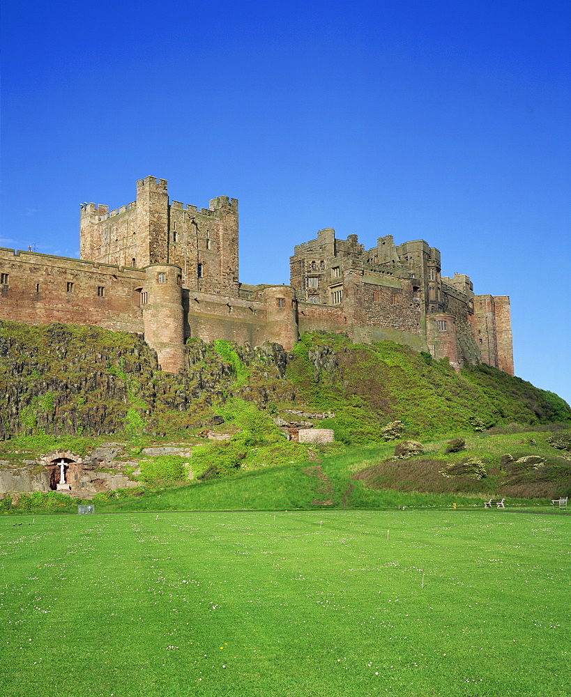 Bamburgh Castle, Northumberland, England, United Kingdom, Europe - 485-4057