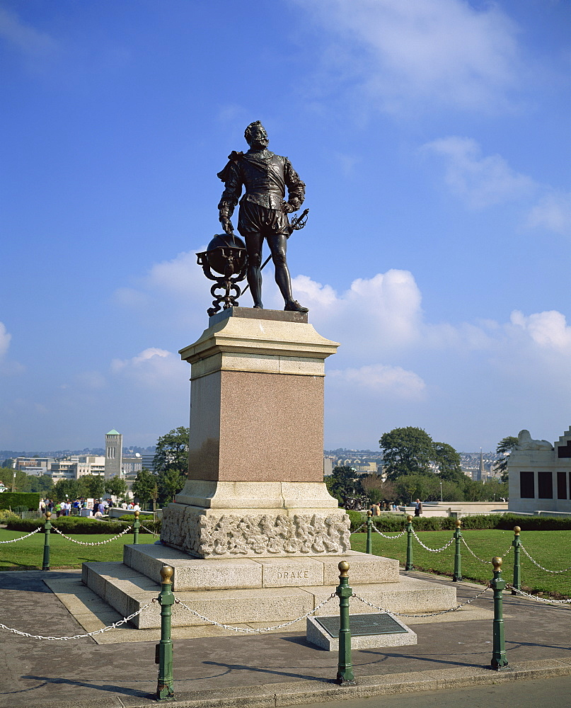 Statue of Sir Francis Drake, Plymouth Hoe, Plymouth, south Devon, Devon, England, United Kingdom, Europe - 485-6828