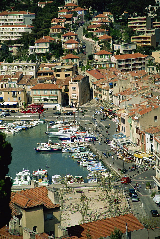 Around the harbour, Cassis, Cote d'Azur, Provence, France, Mediterranean, Europe