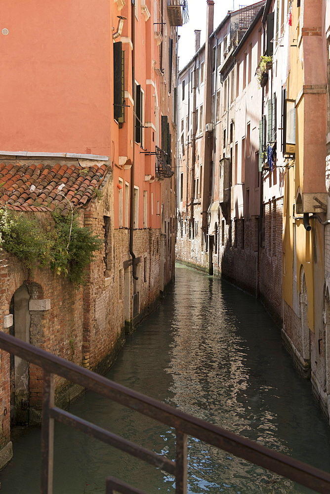 A small canal, Venice, UNESCO World Heritage Site, Veneto, Italy, Europe - 489-1709