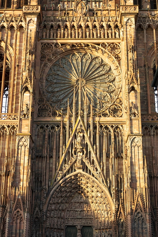 Rose Window, West Front, Strasbourg Cathedral, UNESCO World Heritage Site, Strasbourg, Alsace, France, Europe - 489-1769