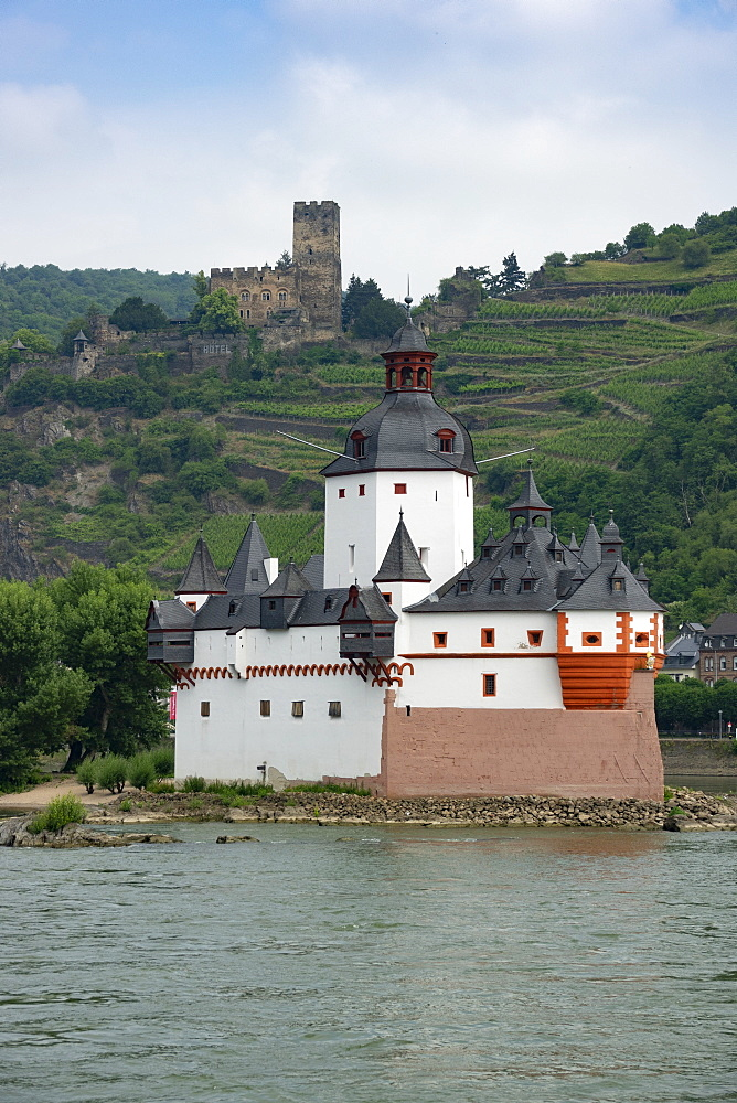 Pfalzgrafenstein Castle, Gutenfels Castle in background, near Kaub, River Rhine, Germany, Europe - 489-1782