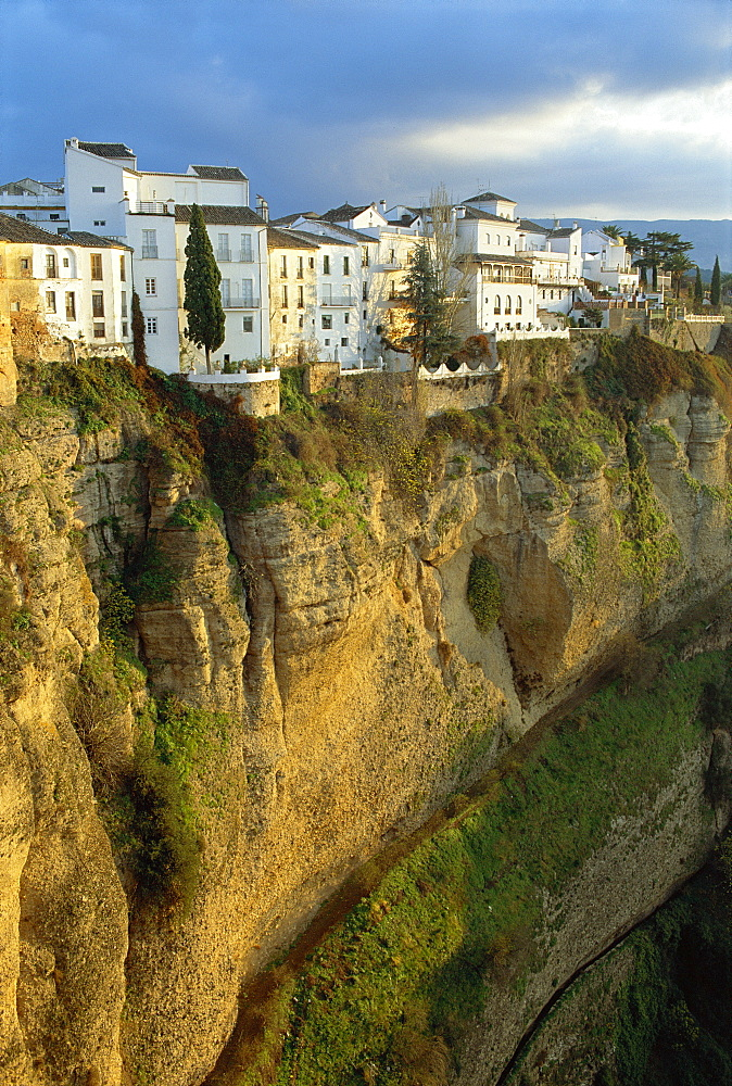 Houses perched on cliffs, Ronda, Andalucia, Spain  - 492-2256