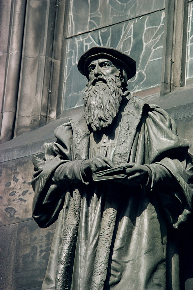 Statue of John Knox, Edinburgh, Lothian, Scotland, United Kingdom, Europe - 508-11839