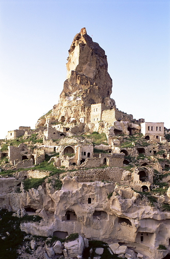 Town and castle ruins, Ortahisar, near Urgup, Cappadocia, Anatolia, Turkey, Asia Minor, Eurasia - 508-16388