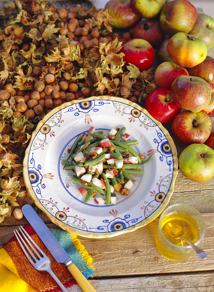 French bean and apple salad with toasted hazelnuts - 526-2836